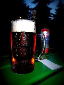 Pivo určitě na zahrádce k této hudbě přijde vhod, ale nyní bych lhal, zda na čepu je stále ještě Ostravar či Radegast. I značky piv se někdy mění.