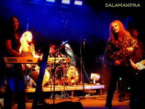 Ostravská hudební metalová,dnes již také legenda, kapela SALAMANDRA.