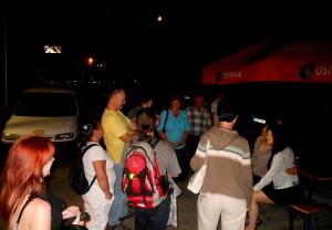 Justin Lavash v obležení diváků po koncertě.